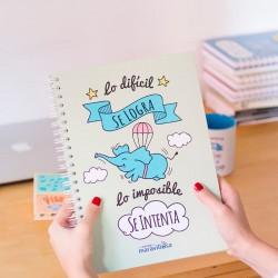 """Llibreta A4 """"Lo difícil se logra, lo imposible se intenta"""""""
